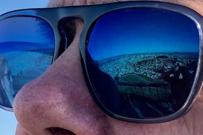 San Francisco spiegelt sich in einer Sonnenbrille
